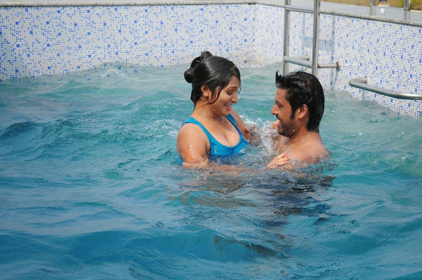 Film Swimming Pool