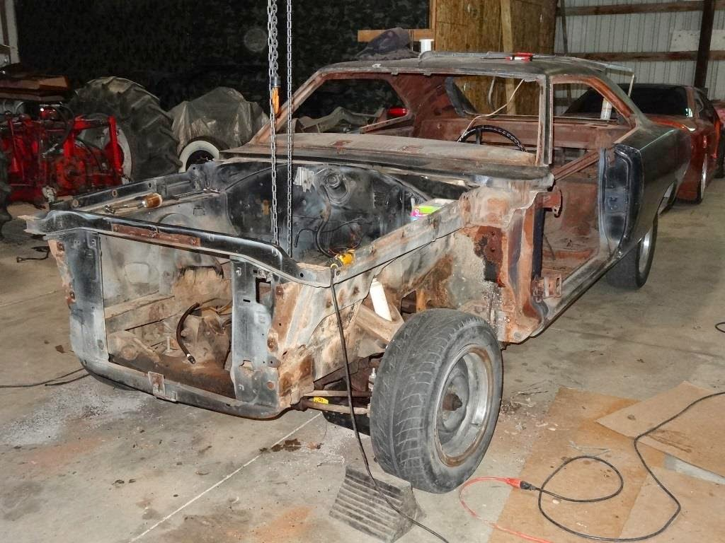 1970_mopar_charger_project