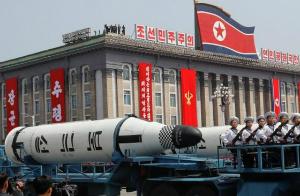 'Testaremos mísseis semanalmente', diz Coreia do Norte aos EUA