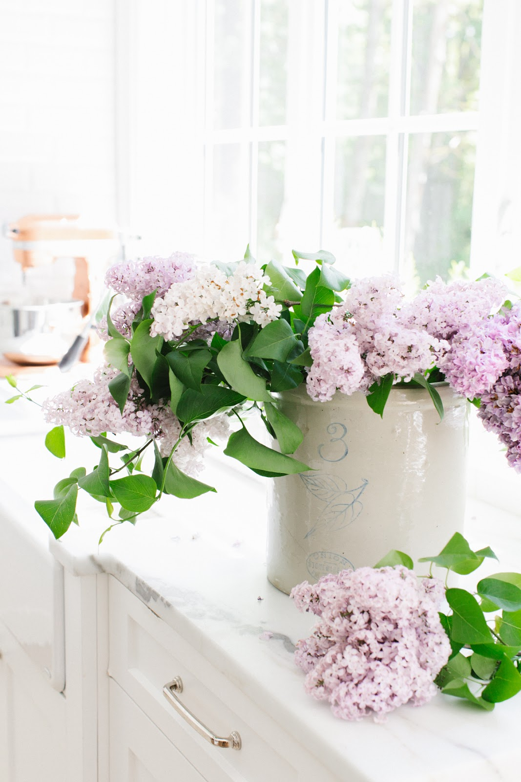Daily Inspiration Dina Bandman Interiors, Lilac Sugar Scones and Flowers by Cool Chic Style Fashion