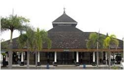 Masjid Adung Demak Tampak Depan