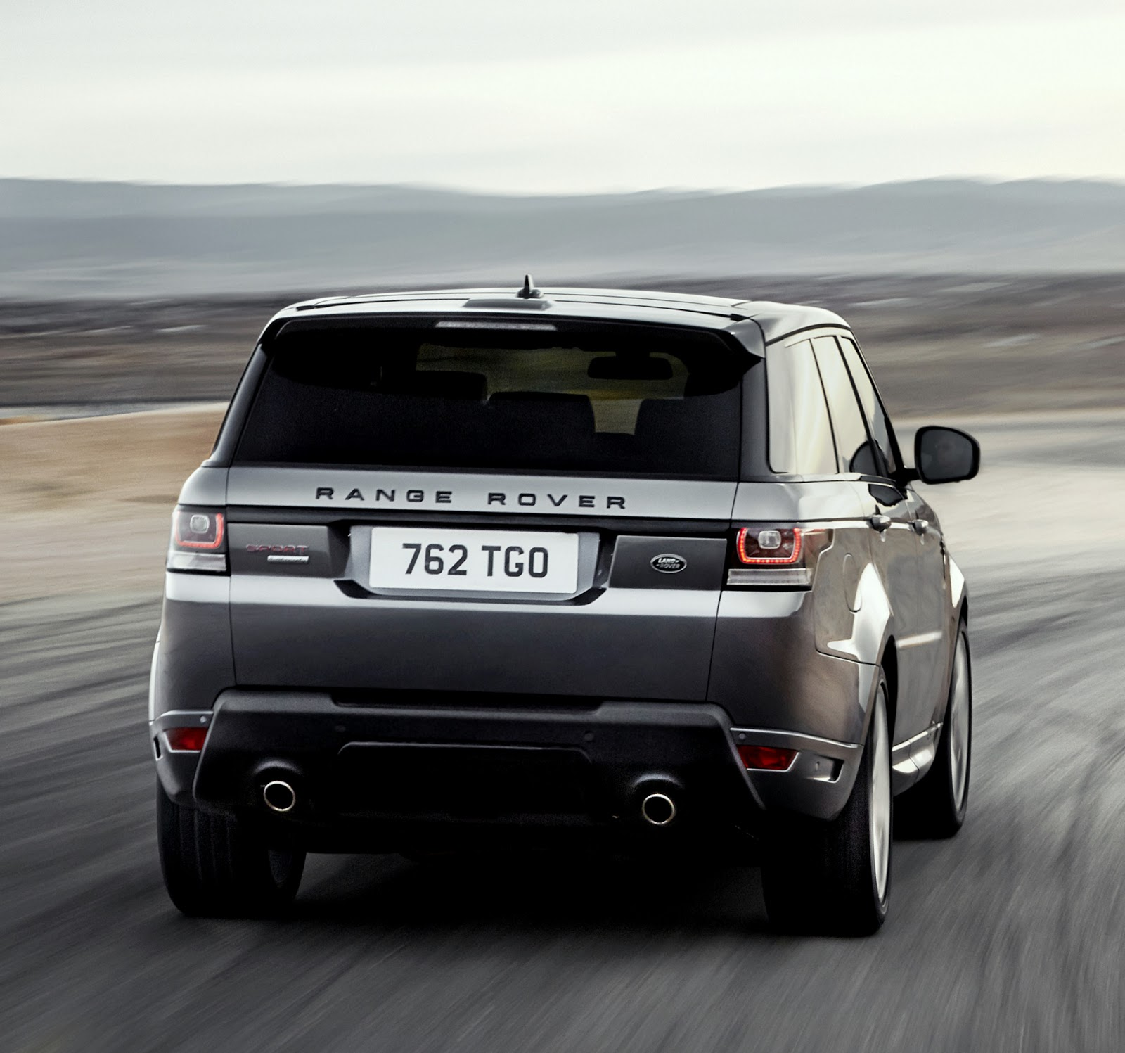 uautoknow 2014 Range Rover Sport took the Big Apple by storm