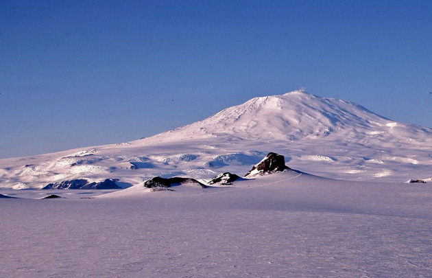 New Antarctic rift data has implications for volcanic evolution