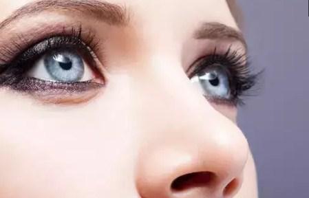 Trik Membuat Eyeliner Bagus Sempurna