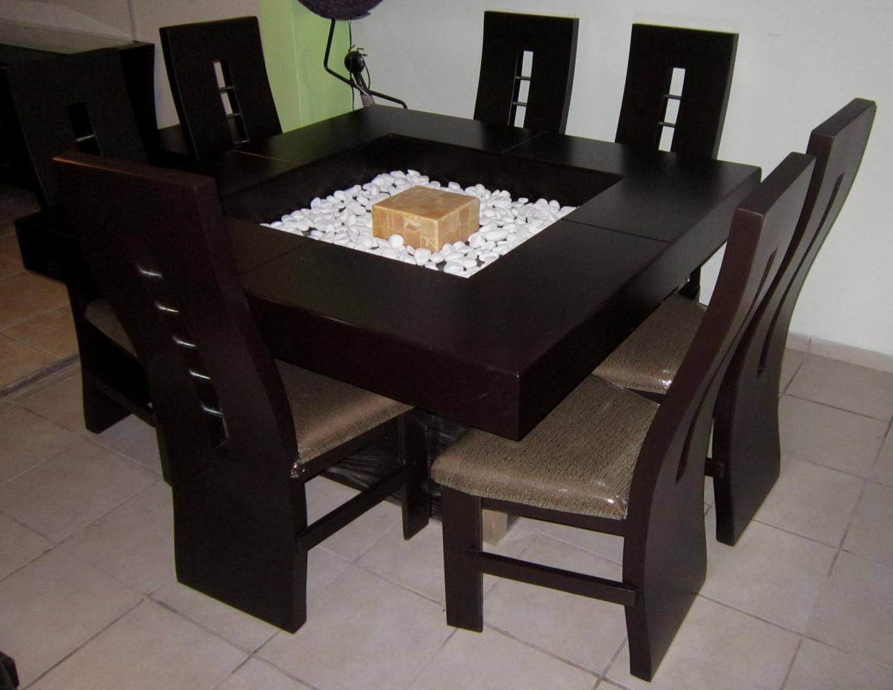 30 comfort contemporary brown wood tables with chairs for Comedores minimalistas