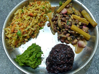 Kavuni rice, Drumstick Brinjal Sprouted Lima beans curry, Cabbage Carrot poriyal, Mint chutney