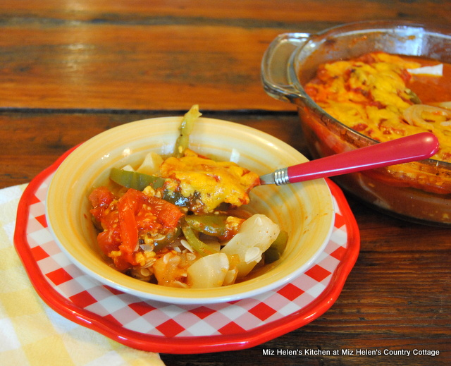 Patty Pan Casserole at Miz Helen's Country Cottage