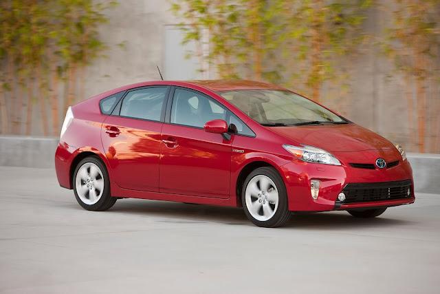 В России отзываются 800 гибридов Toyota Prius