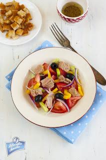 Panzanella z tuńczykiem
