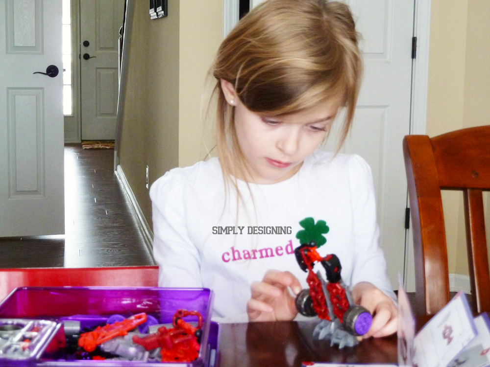 buildinf New Favorite Building Toys #ConstructBots 9