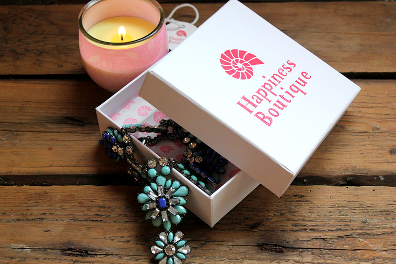 Отзыв: Happiness Boutique. Небесно-бирюзовое колье Heavenly Blue Flower Statement Necklace.