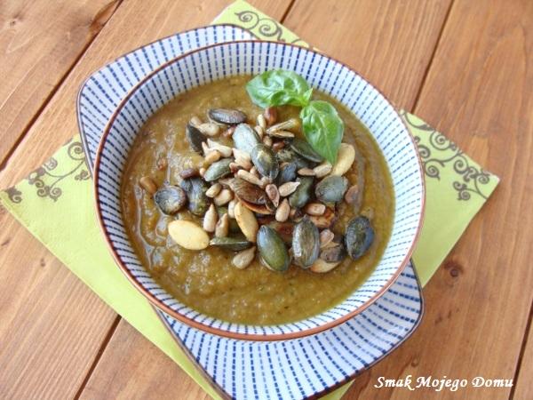 Zupa - krem z cukinii i zielonej soczewicy.