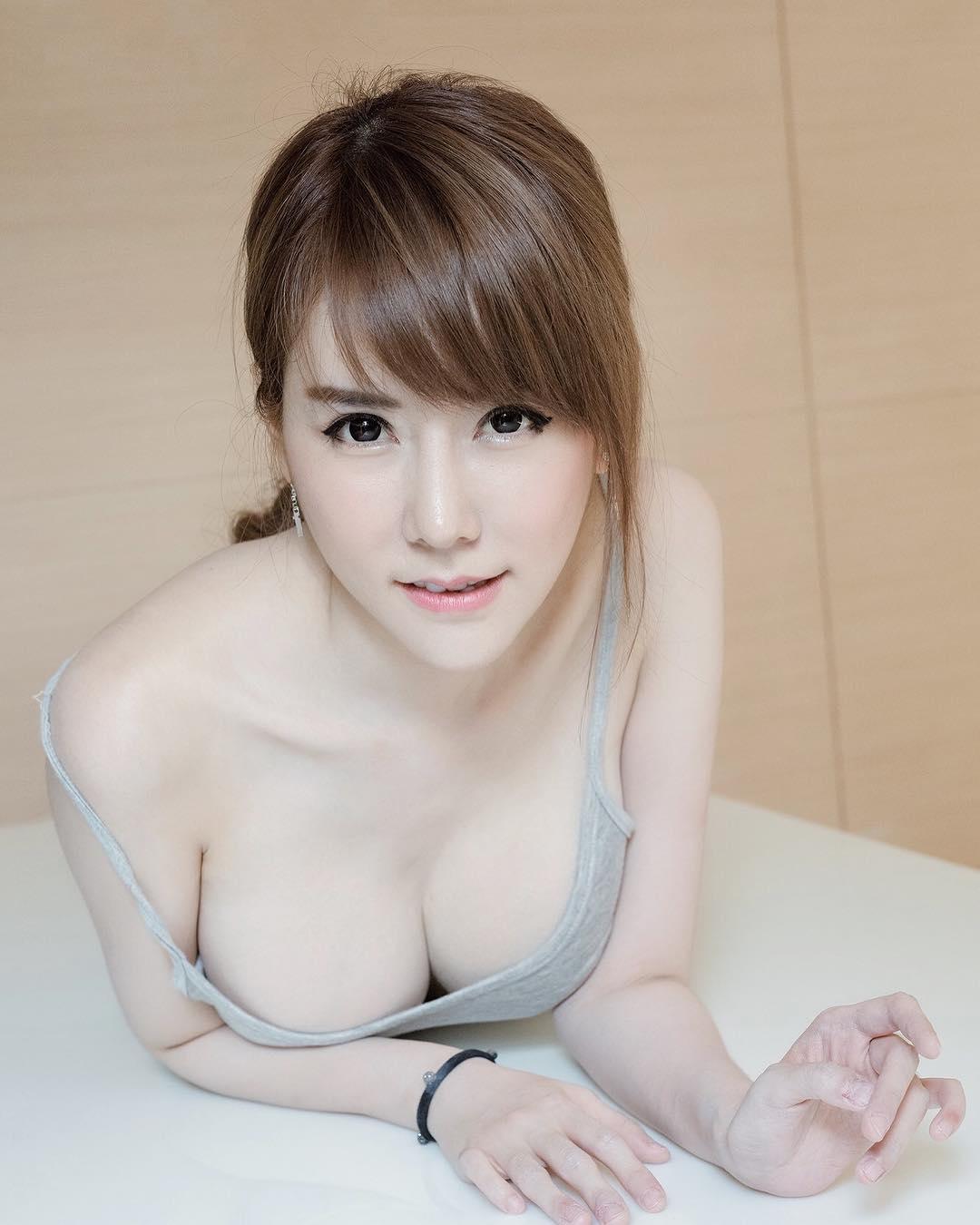 Đánh bay cái nóng với bộ ảnh mát mẻ của hot girl Thái parlovetati