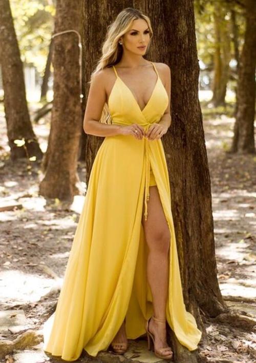 vestido esvoaçante longo amarelo
