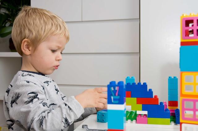Lego Duplo zabawy w domu z dzieckiem
