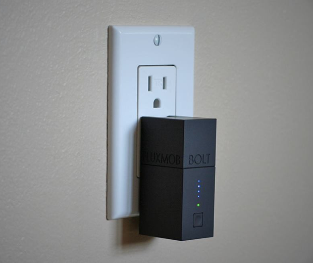 Bolt iPhone Wall Charger and Rechargeable Battery