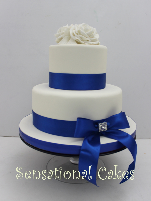 blue and white 2 tier wedding cake cakes2share singapore white roses 2 tier blue wedding 11962
