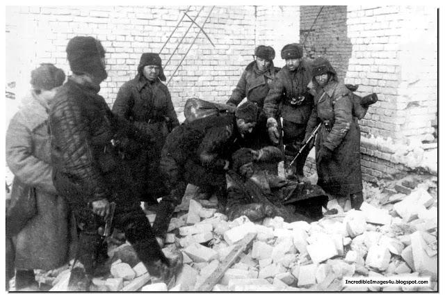 German Sniper Caught By Soviet Soldiers Stalingrad