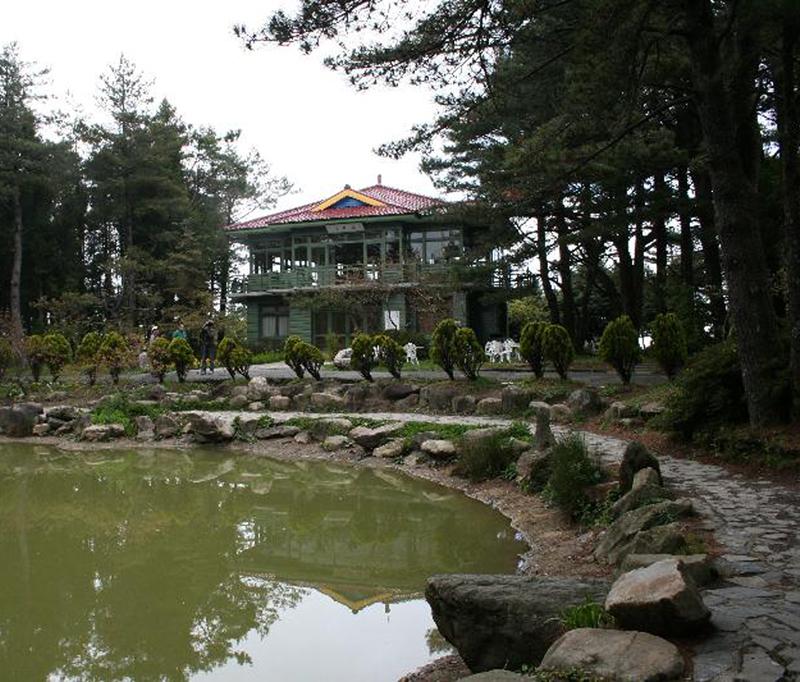 中華藝術學院交流中心: 梨山天池