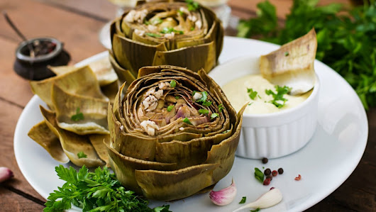 Hearty Artichokes with Garlic and Olive Oil