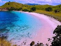 5 Pantai Pasir Putih Terindah di Indonesia