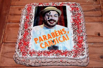 O bolo de aniversário (Crédito: Lourival Ribeiro/SBT)