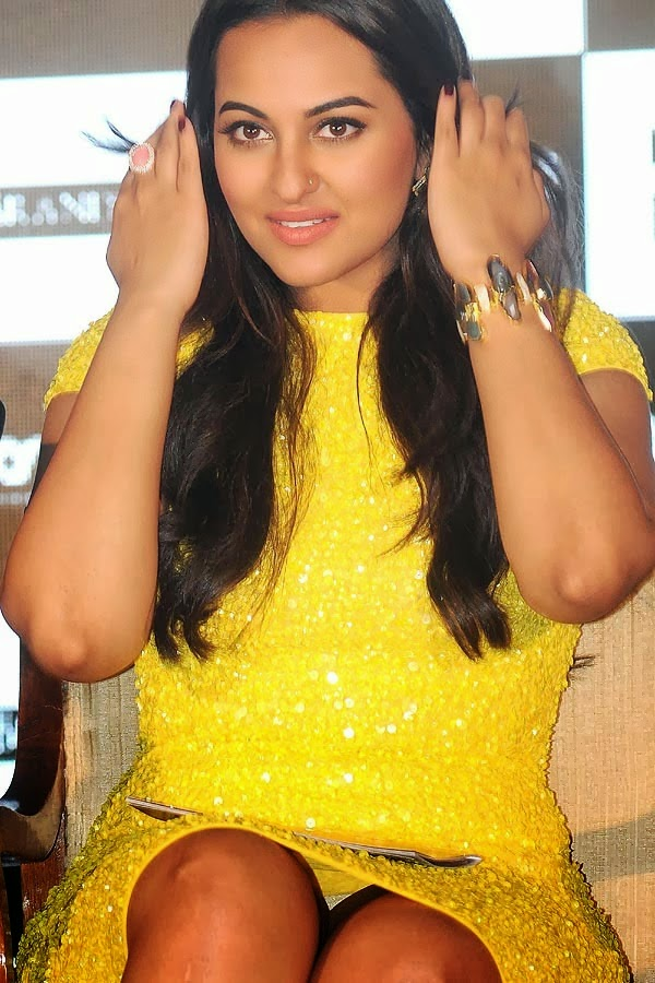 Bollywood Actresses Oops and Panty Upskirts « celebs