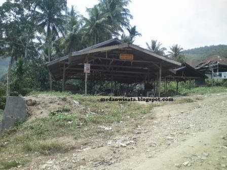Desa Rumah Liang
