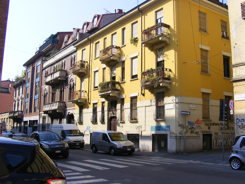 Days on the Claise: Apartment Blocks in Milan