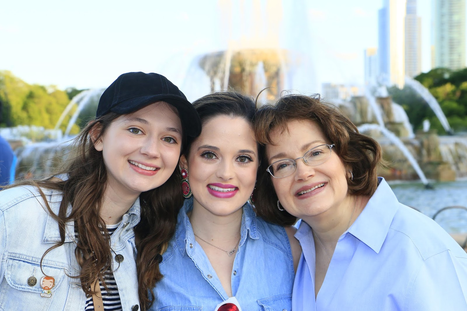 Nyc fashion blogger Kathleen Harper with her mom and sister in Chicago