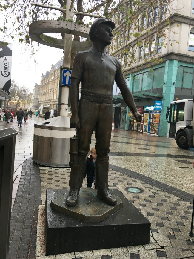 miner-statue-in-cardiff-city-centre