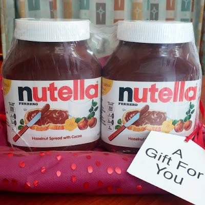 Ginormous-Jars-Nutella-tasteasyougo.com