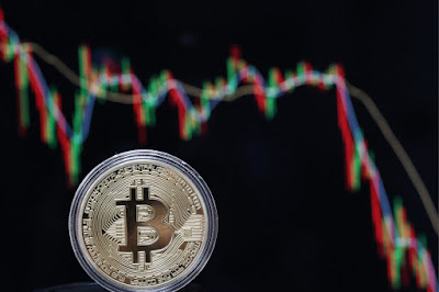 Market Tumbles as Bitcoin Price Approaches US$11,000