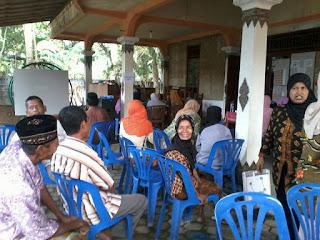Bakti sosial relawan DPU DT Jogja dan mahasiswa Surya Global di Srandakan Bantul