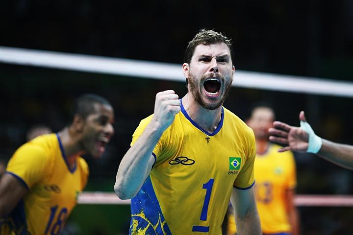 O Brasil venceu na noite desta segunda-feira (15) a França por 3 sets a 1  no vôlei masculino. Em um jogo bastante equilibrado e jogando sob pressão 46f691e106eaa
