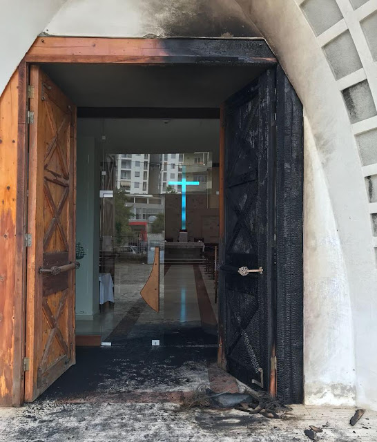 Catholic Church of Saint Dominic is set on fire in Durres