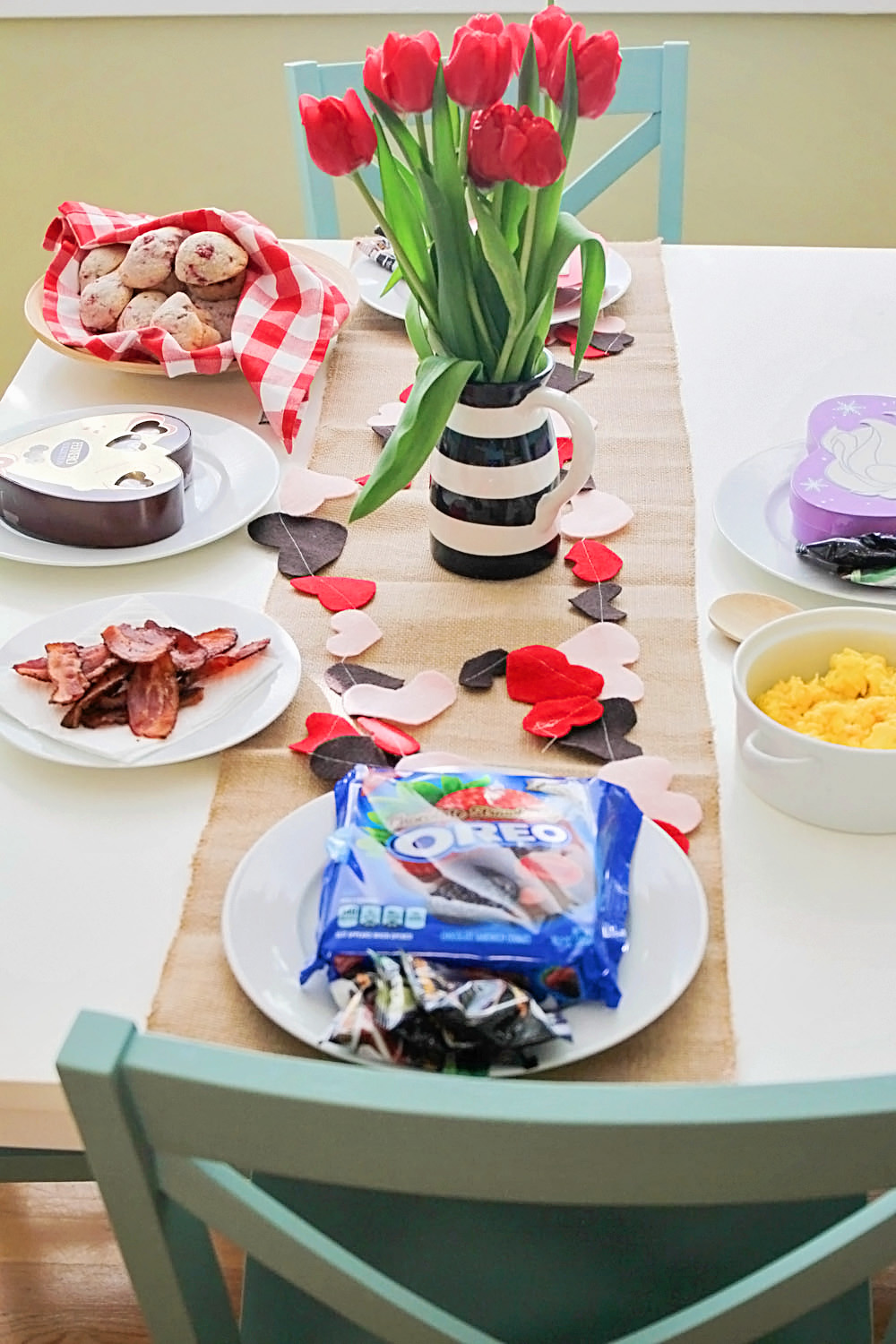 A fun Valentine's Day breakfast doesn't have to be difficult or complicated! Check out these fun ideas, plus an easy recipe for delicious raspberry almond muffins!