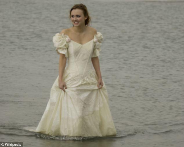 Maria Pantazopoulos wanita yang tewas tenggelam akibat baju pengantinnya