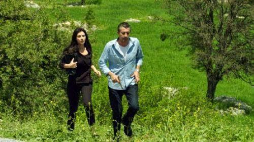 Dila ep 32 Rezumat - Rıza și Dila fug de jandarmi