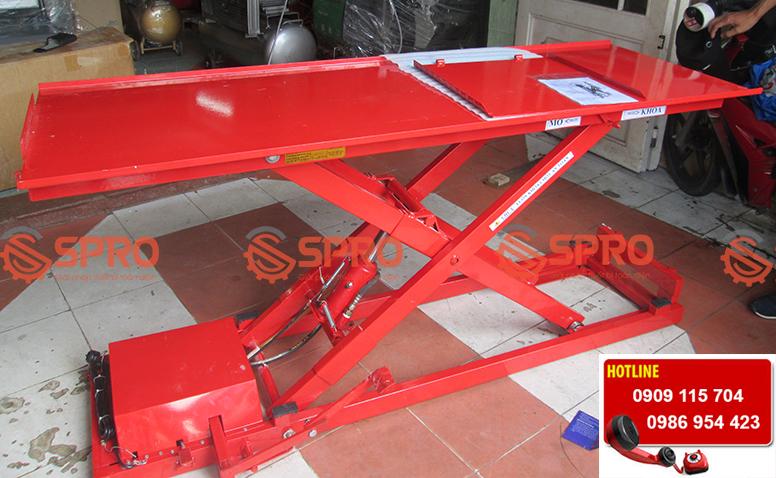 bàn nâng xe máy cơ điện phù hợp với tiệm sửa xe, head Honda