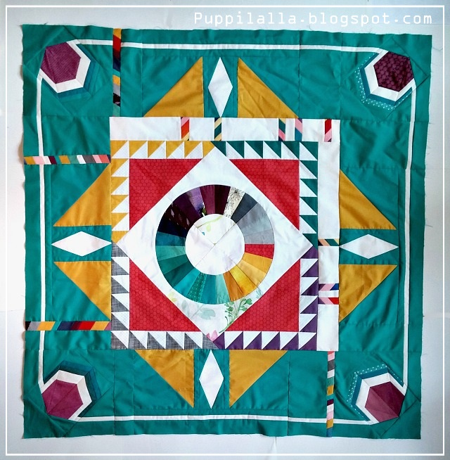 The Rakish Needle Robin, Round Robin Quilt, Puppilalla, Solids, Modern Quilt Design, Starter Block, Color Wheel, Patchwork, Foundation Paper Piecing