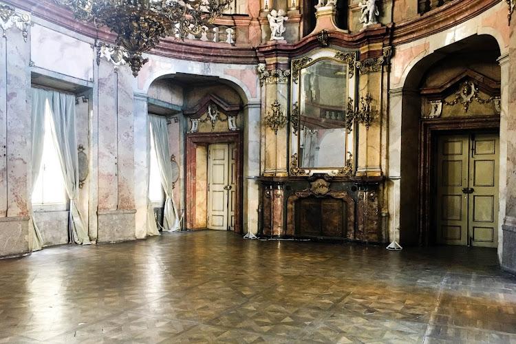 Praga nieznana: Pałac Colloredo-Mansfeld