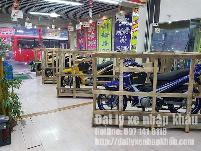 Xe Yaz nguyên thùng tại showroom