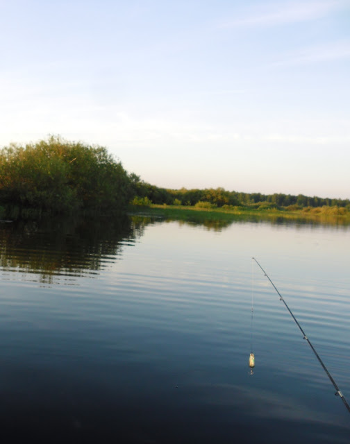 Со спиннигом на реке