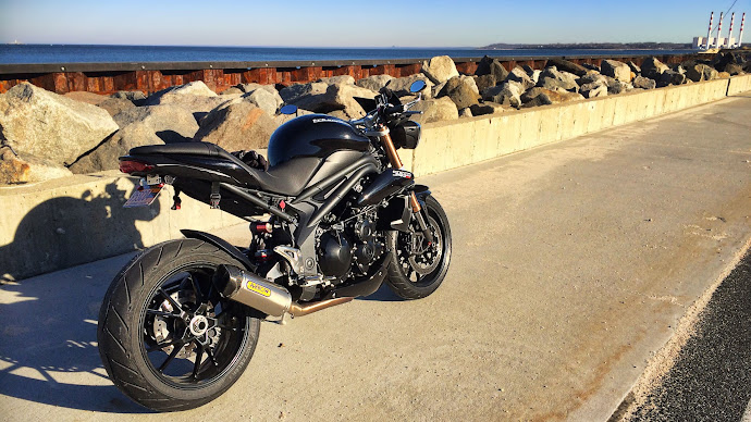 Wallpaper: Triumph Speed Triple Motorcycle