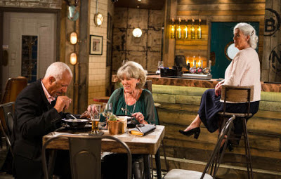 Coronation Street Blog: Mystery woman turns up in Coronation