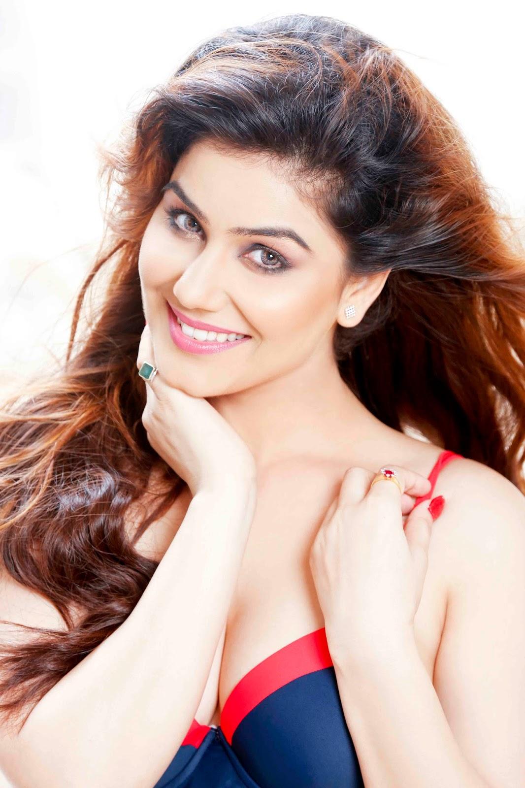 Kangna Sharma beautiful photos