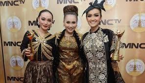 Model Baju Kebaya Zaskia Gotik Terbaru