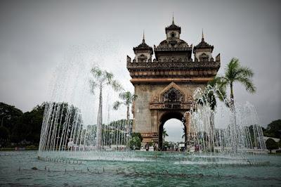 objek wisata laos