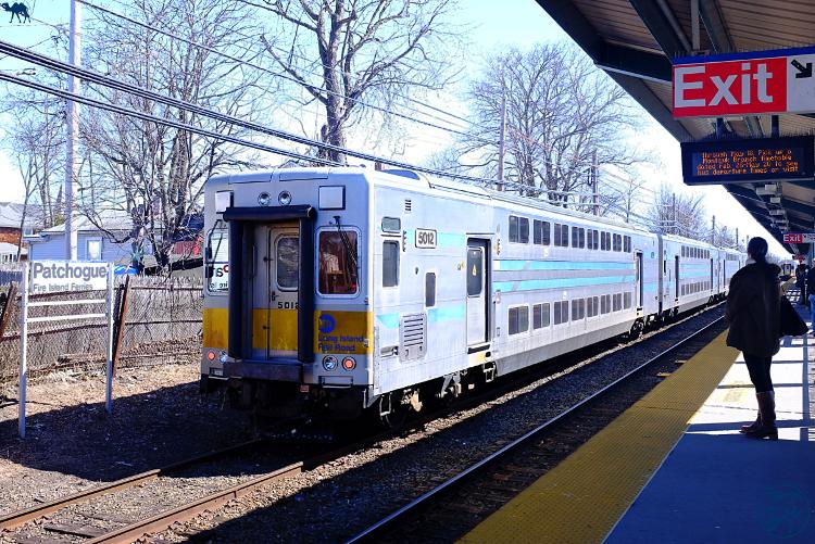 Le Chameau Bleu  - Train pour Patchogue à Long Island New York